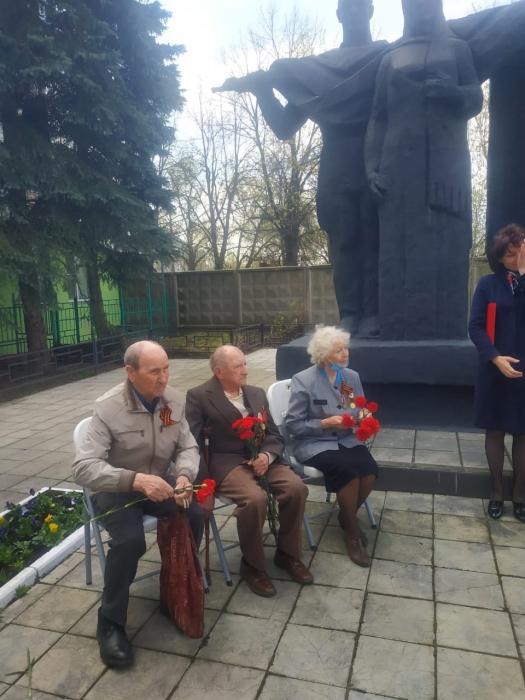 Щёлковские коммунисты почтили память участников ВОВ микрорайона Жегалово