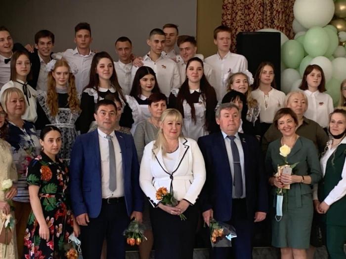 Возрождая советские традиции