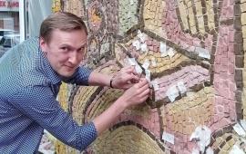 В Королёве продолжается реставрация советских мозаичных панно