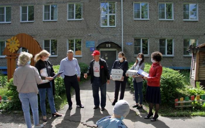 Подарки к Дню защиты детей в Серпухове