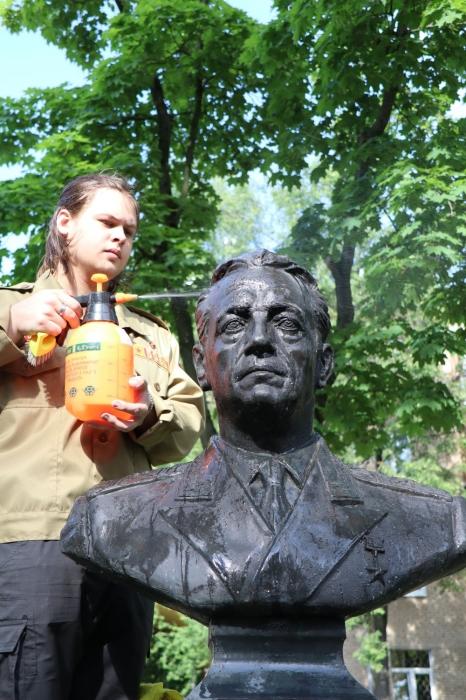 Комсомол чтит память отцов-основателей Советской авиации