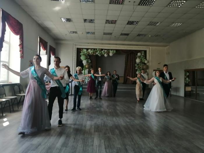 В школах Королёва прошли выпускные вечера