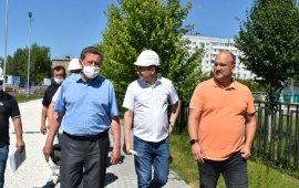 С депутатским контролем: Дмитрий Кононенко в Луховицах осмотрел ход строительства пристройки к школе