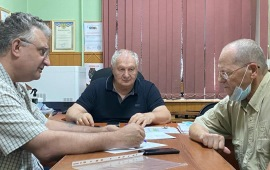 Депутат-коммунист Евгений Добровольский продолжает работу с населением Красногорска