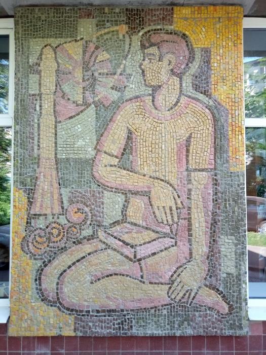 В Королёве закончена реставрация советских мозаичных полотен на улице Кирова
