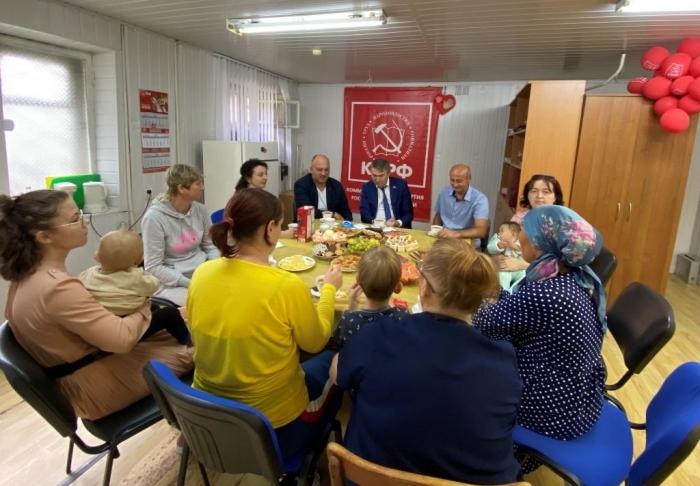 Дмитрий Кононенко: вернем детям и женщинам отобранные у них гарантии и льготы