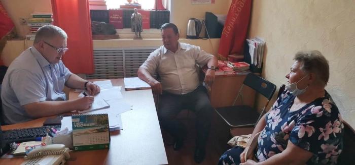 Депутат-коммунист Александр Наумов провел приём граждан в Кашире