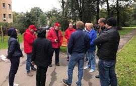 В микрорайоне Ново-Никольское состоялась встреча членов КПРФ с жителями