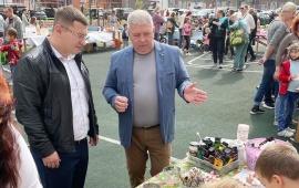 Депутат-коммунист Марк Черемисов поздравил жителей мкр. Саввино с Днём города!