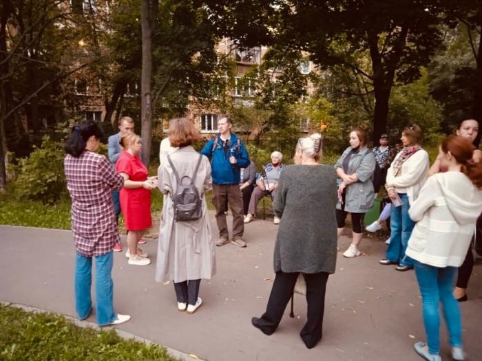 Депутат-коммунист г.о. Королёв - Петрова Светлана провела встречу с жителями по ул. Героев Курсантов мкр. Юбилейный
