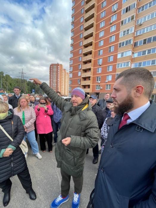 Депутат-коммунист Павел Лаговский провел встречу с жителями двух микрорайонов Балашихи
