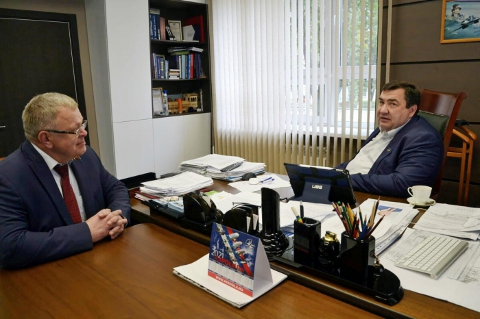 Александр Наумов: У страны есть мощный научный и промышленный потенциал, а самое главное талантливые и преданные своему делу люди!