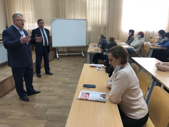 Александр Наумов: Железные дороги - это кровеносные сосуды России!