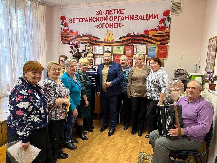 Депутат-коммунист Марк Черемисов посетил репетицию творческого коллектива в Балашихе
